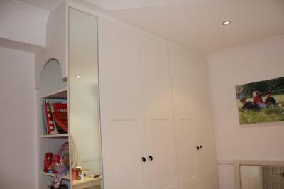 Shaker Style Doors with Mirrored End Panel
